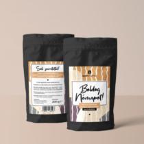 Boldog névnapot feliratú kávékülönlegesség
