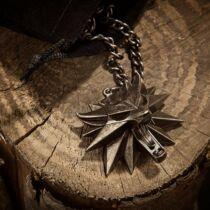 The Witcher 3: Wild Hunt - nyaklánc és medál