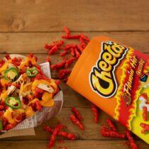 Cheetos Flamin Hot ropogós tüzes chips (35g)