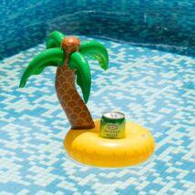 Pálmafás úszó sziget italtartó