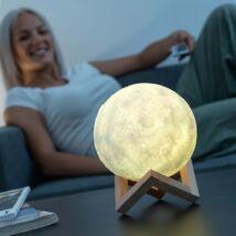 Színváltós 3D hold hangulatvilágítás fa állvánnyal