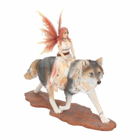 Admina tündér és szépséges farkas szobor
